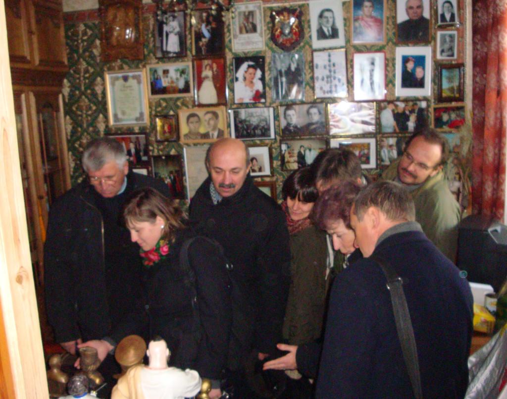 """Muzeum p. Stefana Kurjaty zawsze otwarte. W 2011 roku do muzeum zawitały uczestnicy konferencji naukowej """"Zapomniana zbrodnia"""" z okazji rocznicy deportacji Polaków do Kazachstanu"""