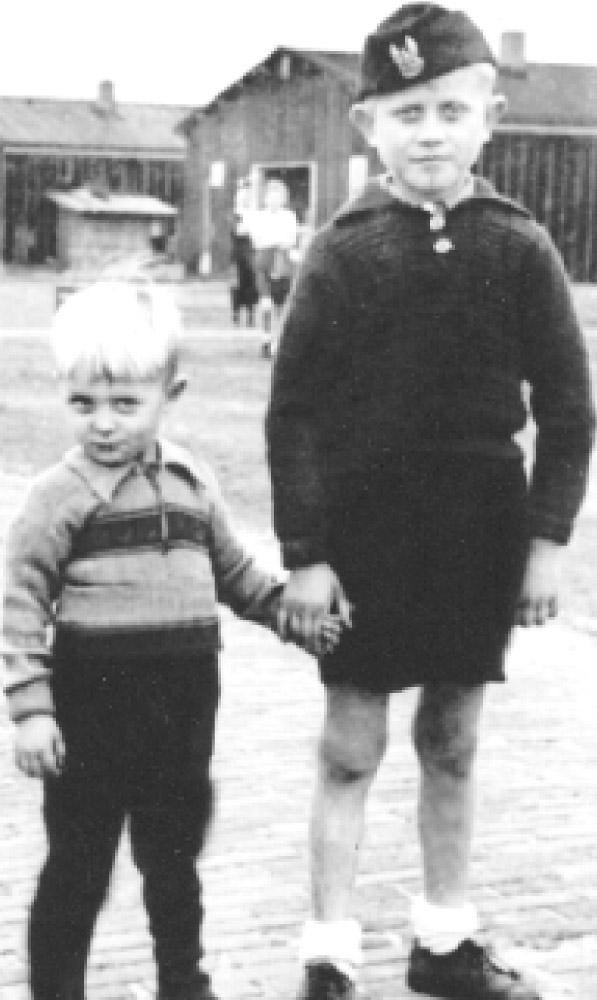 Anatol i Aleksander podczas zamieszkania w Belgii (lata 40-te)
