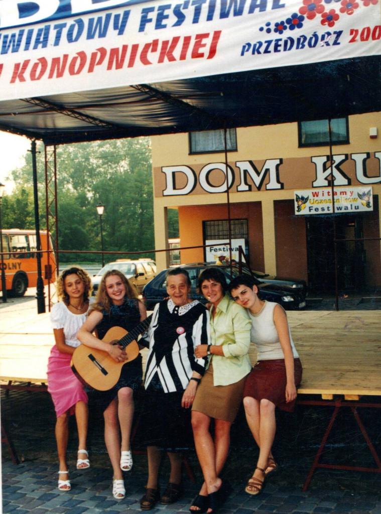 Młodzież z Lubara na Festiwalu Marii Konopnickiej (Przedbórz, lata 90.)