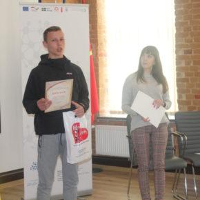Konkurs dla uczniów klas starszych od Żytomierskiej filii Kijowskiego Instytutu Biznesu i Technologii