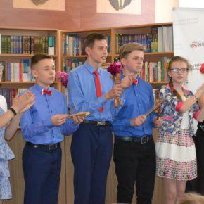 Uroczystość ostatniego dzwonka na Sobotnich Kółkach Twórczych Domu Polskiego