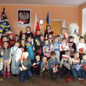 Uczniowie żytomierskiej szkoły nr 10 w Domu Polskim
