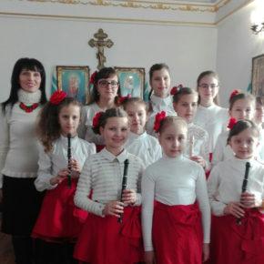 """Zespół """"Kwiaty"""" po raz drugi na obwodowym festiwalu kolęd """"Anioły winszują"""""""